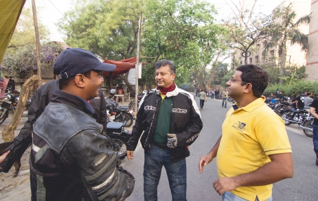 early birds of BikeBlazers sharing a joke there...that's what they do best. BC :)